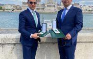 الأردنيان عوض وحمدان يتسلّمان وسام الاستحقاق المجري من الرئيس الهنغاري