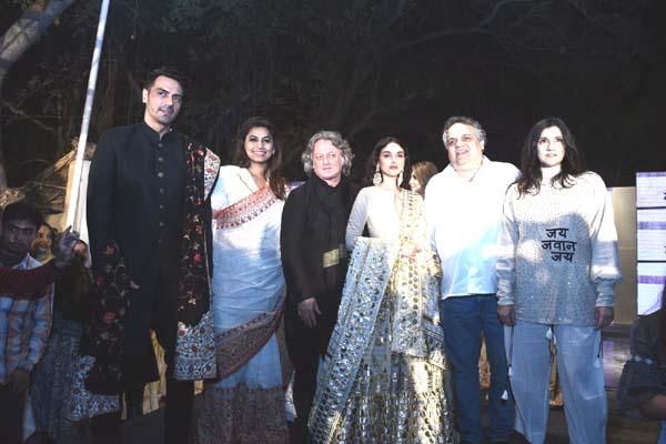 Young fashion designers and cine stars promoted Khadi in capital. MAINSTREAM FASHION DESIGNERS RAJESH PRATAP SINGH, ROHIT BAL, RINA DHAKA, ABU JANI AND SANDEEP KHOSLA PRESENT KHADI IN NEW AVATAR AND PLEDGE TO PROMOTE KHADI IN A BIG WAY AT 100 YEARS CELEBRATIONS OF KHADI