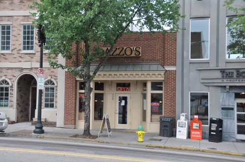 710 Gay Street, Dazzos Pizza