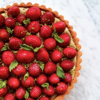 STRAWBERRY TART WITH PISTACHIO PASTRY CREAM