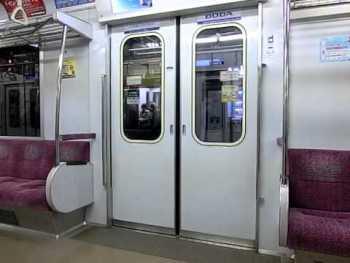東京メトロ8000系(6次車・LCD換装車)のドア閉動画