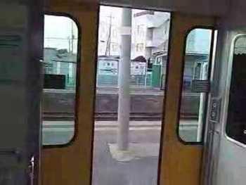 JR東日本キハE130系のドア閉動画