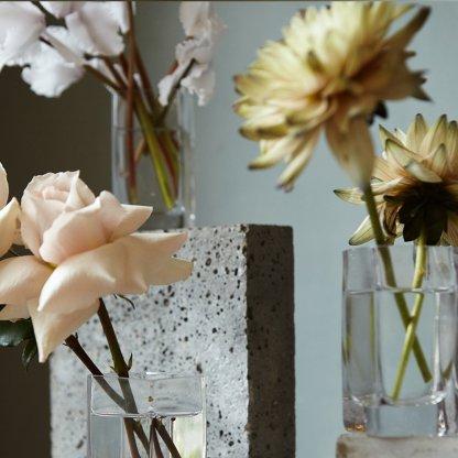 Minimalist Bud Vase Arrangements | That Flower Shop | Weddings & Events
