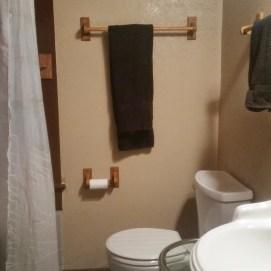 Vintage Bath in DAD's Den with handheld shower!