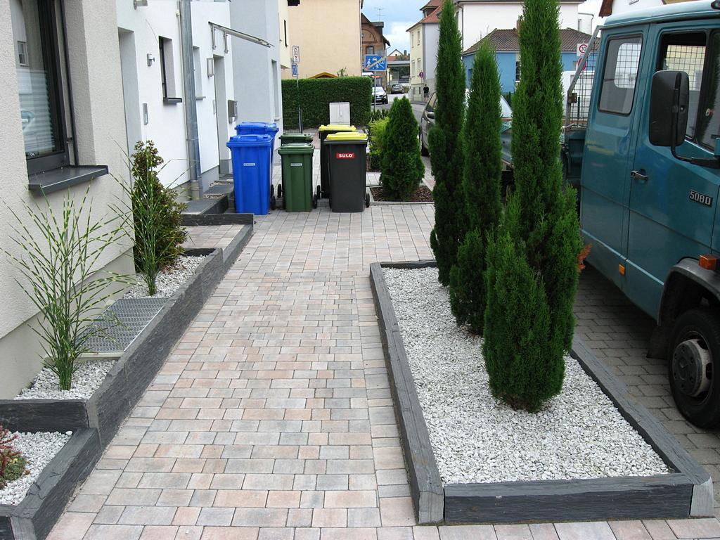 Pflegeleichte Grten  Haufler Baumschule und Gartengestaltung