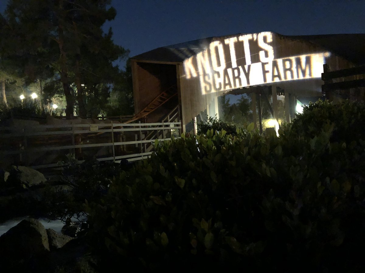 Knott\'s Scary Farm 2018 takes haunters to the Depths and beyond
