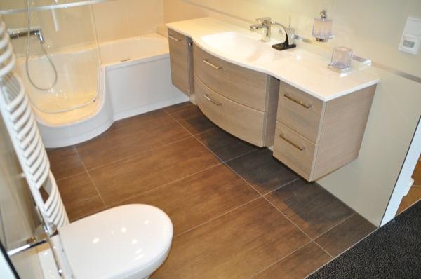 Fliesen frs Badezimmer Helle oder dunkle Fliesen  Mosaik im Bad  Hausbau Blog