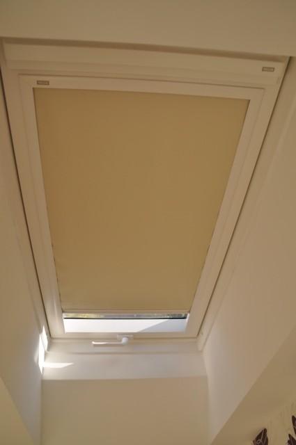 DachfensterRollo  Optimale Verdunklung ohne Bohren