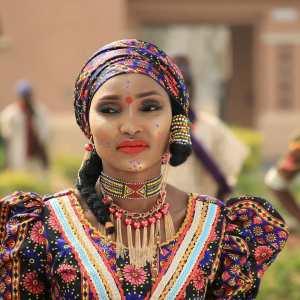 Dalilin Da Yasa Na Zama Mawakiya – Hauwa Yar Fulanin Gombe
