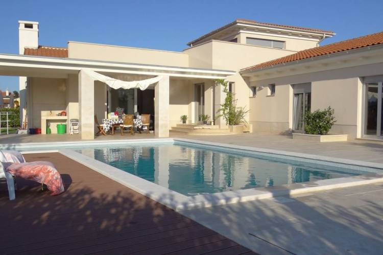 haus bauen oder fertiges haus kaufen hausbau kroatien. Black Bedroom Furniture Sets. Home Design Ideas