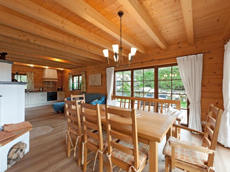 FullwoodHaus AlpentraumHolzhaus im traditionellen Tiroler Stiel