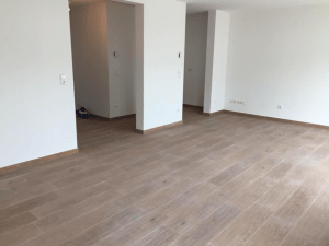 Holzfliesen-Wohnzimmer