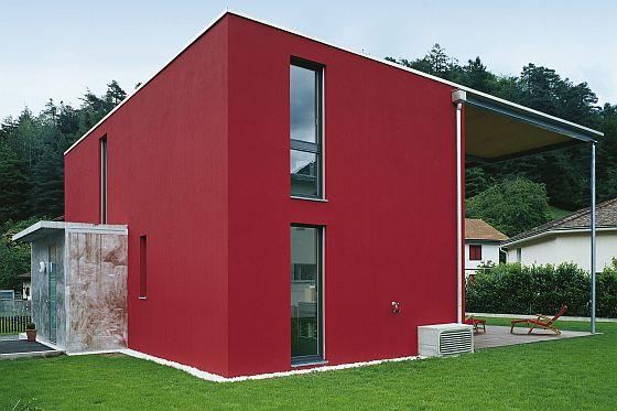 Ein Schöner Putz In Strahlenden Farben Lässt Ein Haus Einladend Und Modern  Wirken. (Foto