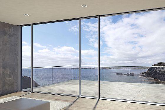 Perfekt für eine lichtdurchflutete Architektur: raumhohe Schiebetüren mit minimalen Profilansichten. (Foto: djd/Schüco)