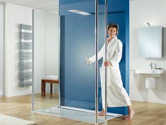 Bei der Planung eines neuen Hauses oder der Renovierung des Bades sollte man durchaus einige Jahre im Voraus denken. Ebenerdige Duschen können später ihre Vorteile ausspielen - und gut aussehen tun sie sowieso. (Foto: Foto: HSK Duschkabinenbau KG)