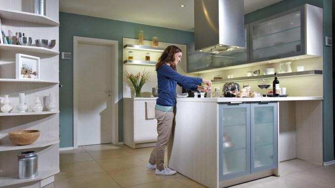 Bauqualität, energetischer Standard und der passende Grundriss: Wenn diese Faktoren stimmen, sind die Bauherren mit ihrem Haus zufrieden. (Foto: djd/Fingerhaus)