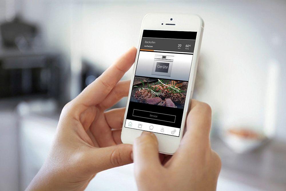Die Steuerung Von Küchengeräten Per App Oder Mit Sprachbefehlen Wird Immer  Beliebter. (Foto: