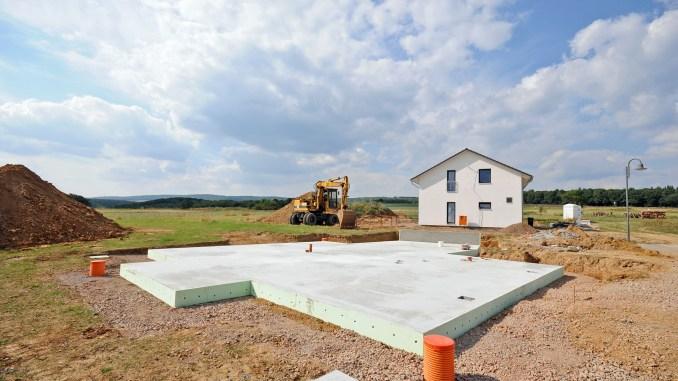 Die Bodenplatte ist das Fundament des Hauses