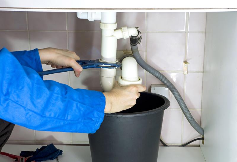 Abfluss der Waschmaschine  So schlieen Sie ihn richtig an