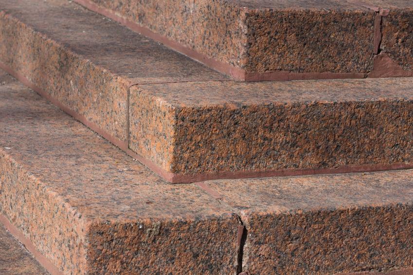 Auentreppe mit Granit sanieren  Das sollten Sie beachten