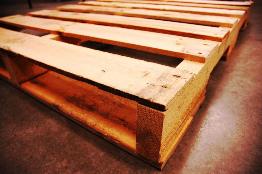Bett aus Europaletten  In 6 Schritten selbst bauen