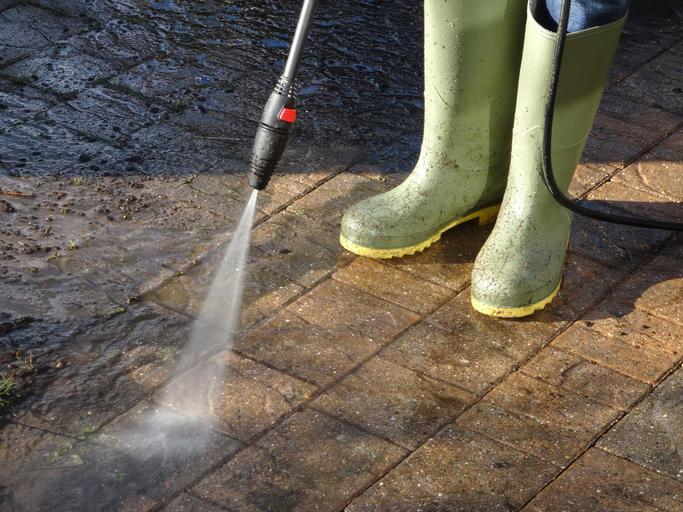 Einfahrt reinigen  So wird sie richtig sauber