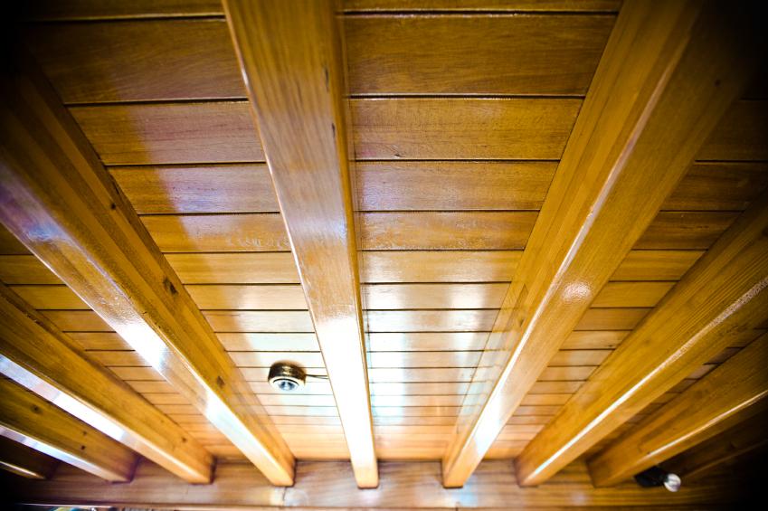 Badezimmer Auf Holzbalkendecke