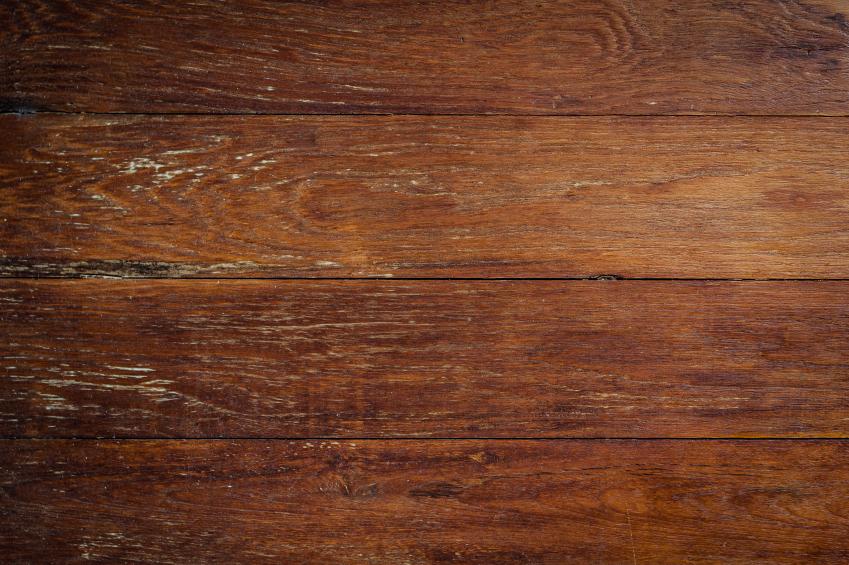 Holz abdunkeln  Mit diesen Methoden klappts