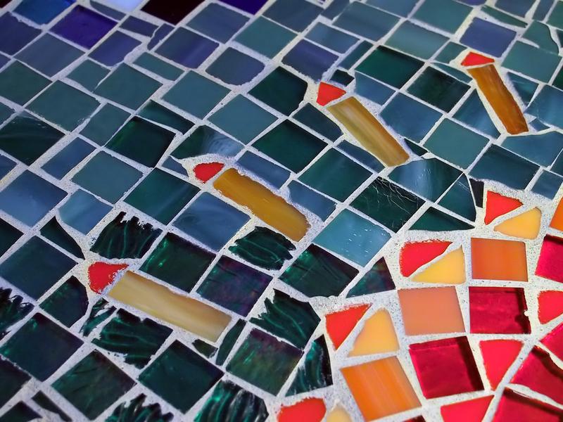 Mosaiktisch selber machen  Anleitung in 3 Schritten