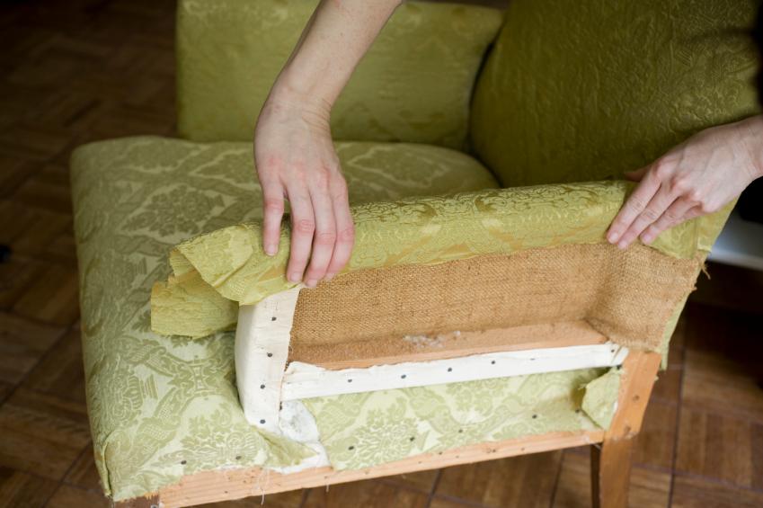 Sofa  Sessel neu beziehen lassen  Diese Kosten entstehen