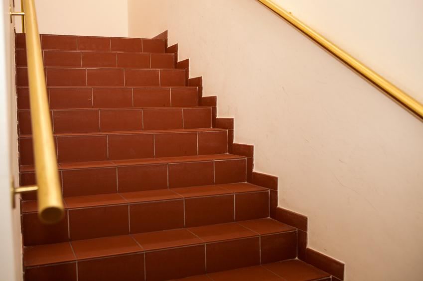 Treppenbelag aus Fliesen  Vorteile Ansprche  mehr