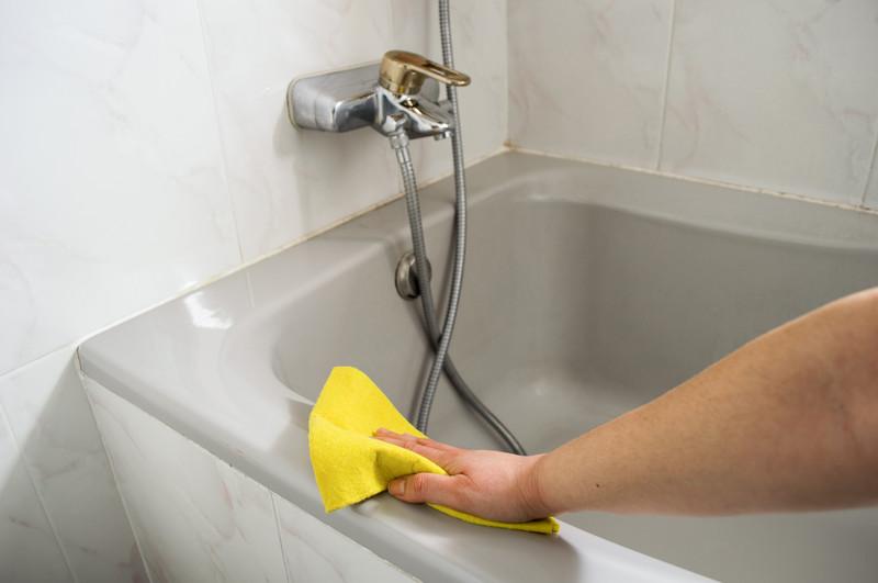 Badewanne reinigen  So subern Sie die Badewanne ohne Schden