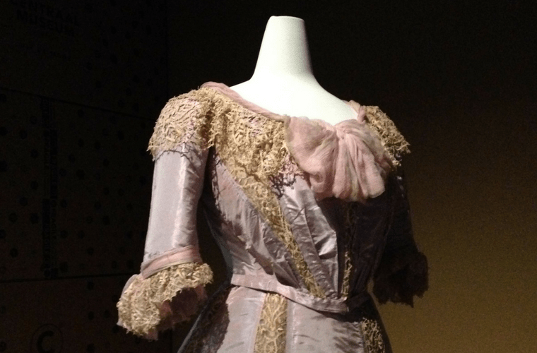 Schüler - Uit de mode - Centraal Museum
