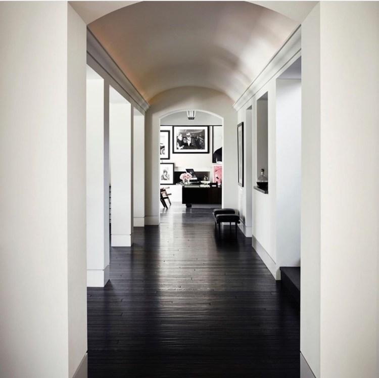 Inside Kourtney Kardashian's Sprawling Calabasas Home ...