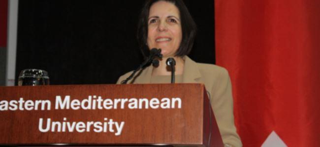 """""""Siyaset kurumu üniversitelere müdahale etmesin''"""