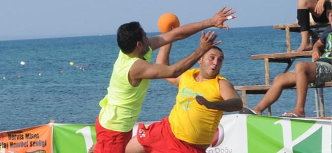 Plaj hentbolunda ilk turnuva Lapta'da