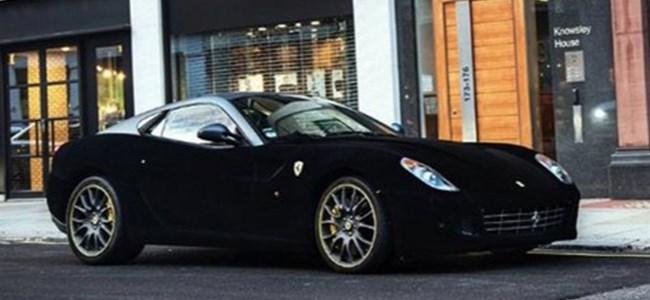 Bu Ferrari 'kadife' kaplı!