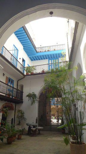Foto des Innenhof des Palacio de Lombillo