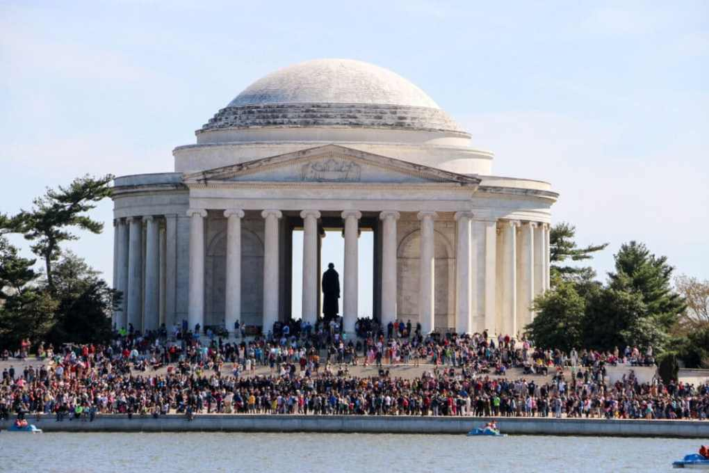 Look at those crowds!
