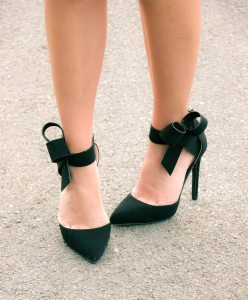 Pink Basis bow heels