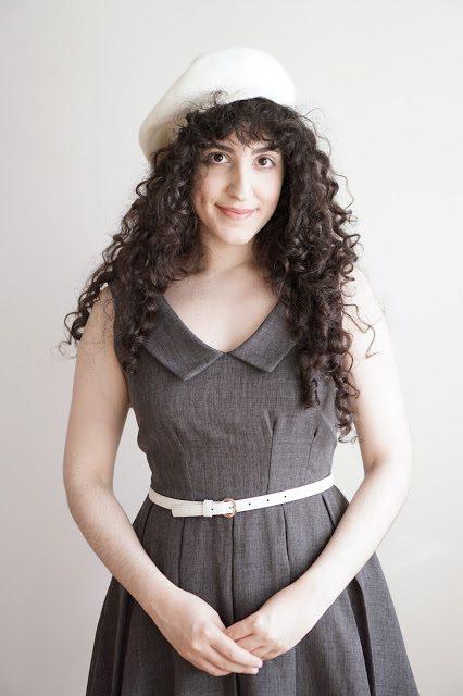 "Mona of ""Curls & Cakes"""