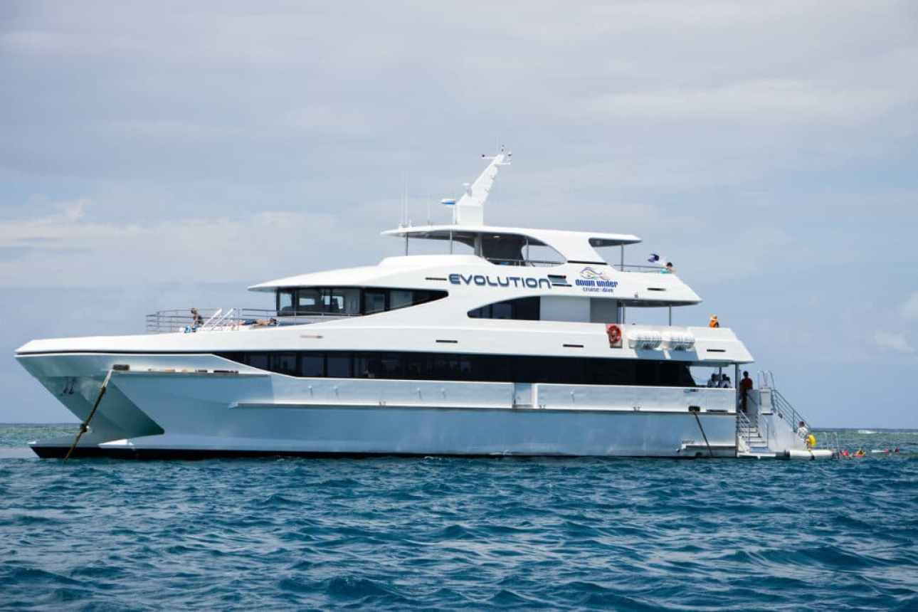 Evolution Great Barrier Reef Boat - Cairns