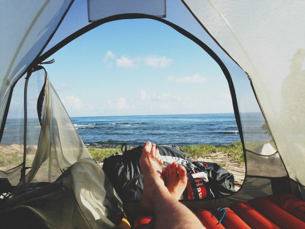 10 Must-Have Items In Your Car Kit When Travelling Outdoors