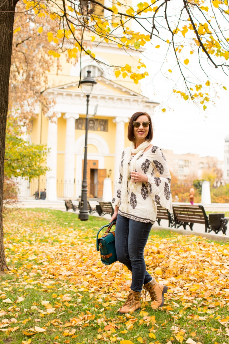 Comfortable & Cute Fall Outfit for Exploring