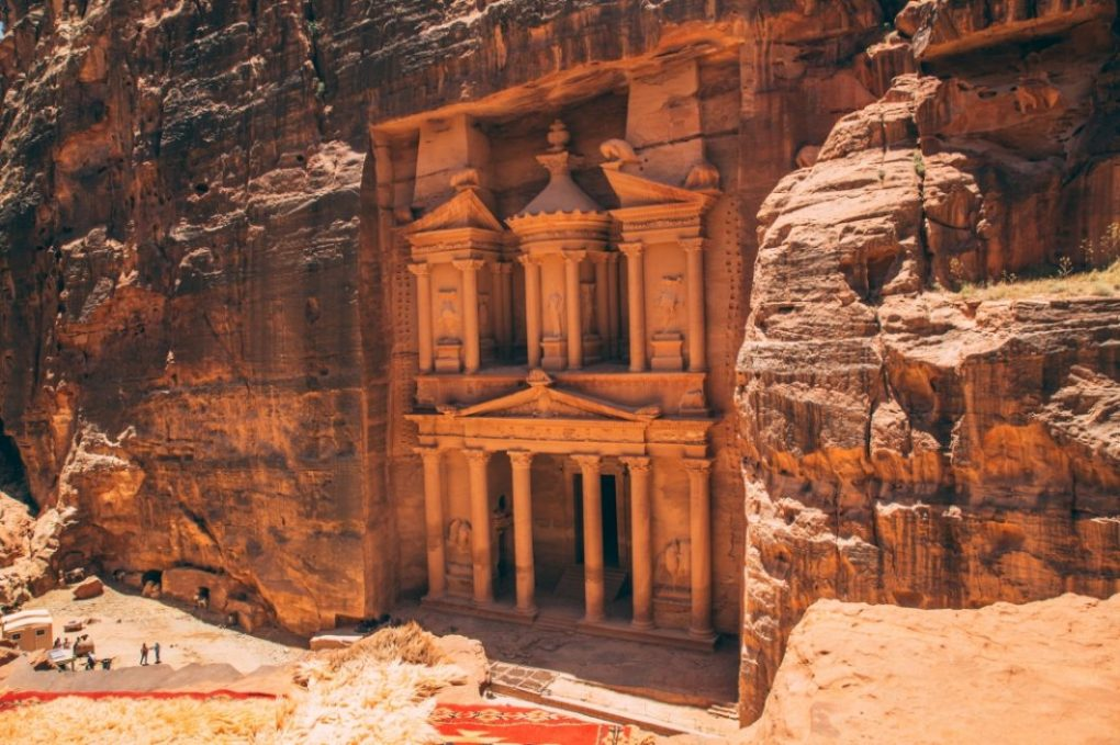 """Petra, Jordan – 10 Things to Know Before Visiting the """"Rose City"""""""