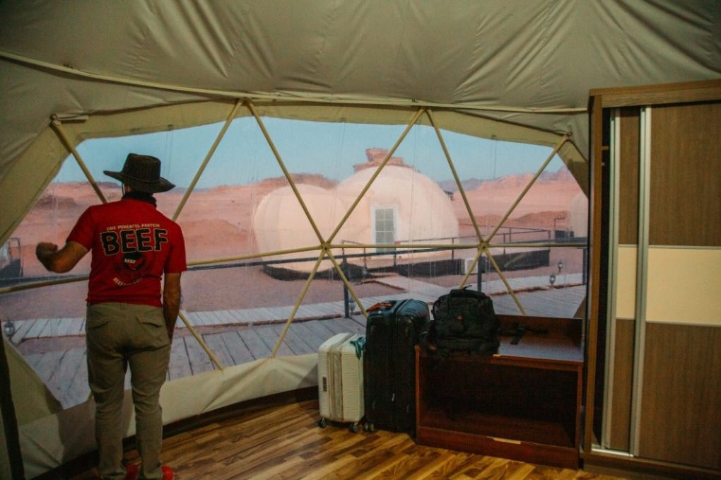 Mazayen Rum Camp Review - a Wadi Rum Luxury Desert Camp (with Martian Tents!)