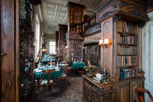 Cafe Pushkin Restaurant interior photo in Moscow