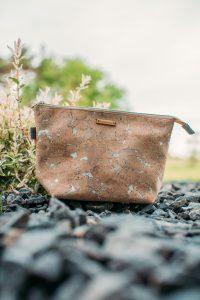 ADVENTURER cosmetics bag | SILVER