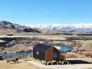 Blue Riverview Tiny House - AMAZING River Views!!