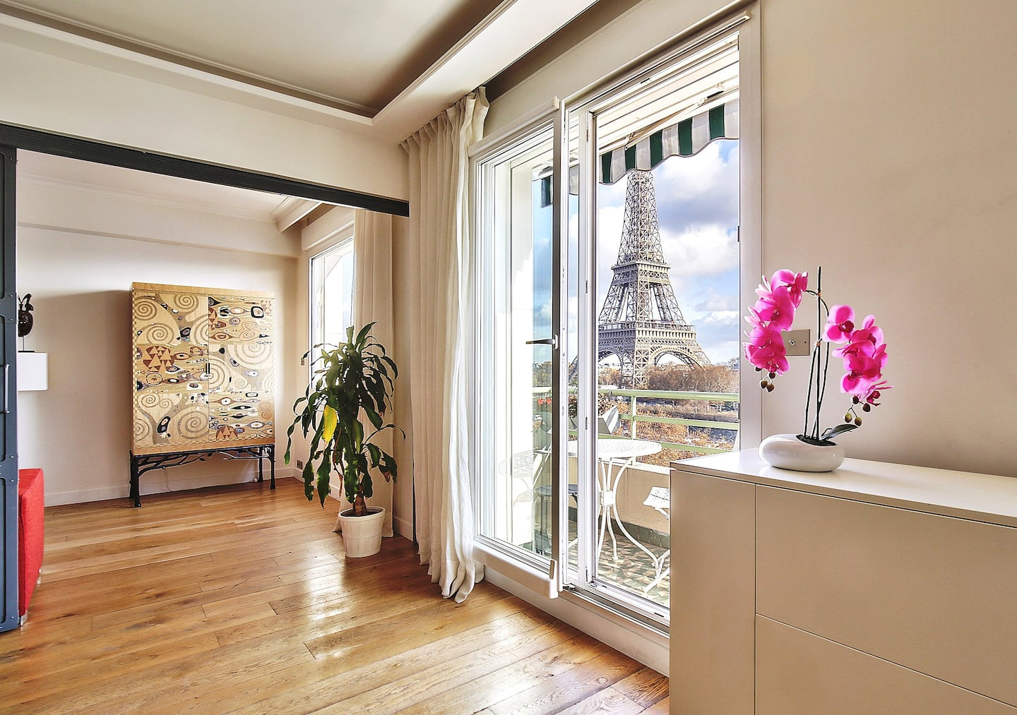 The Coolest Airbnbs in Paris With Eiffel Tower Views & More!